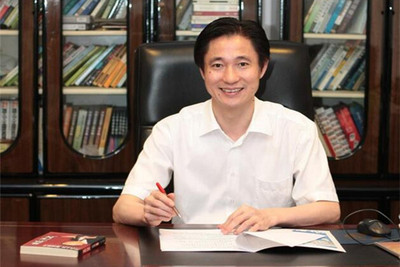 刘国梁 武汉市小蓝鲸酒店管理有限责任公司董事长